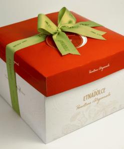 Manderijnen panettone in geschenkdoos