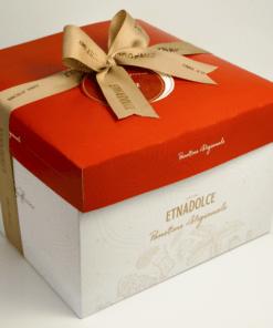 Pandoro in luxe geschenkverpakking